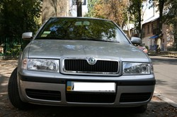 skoda_octavia_tour_outside2_ntray_6772_igo_2din_big.jpg